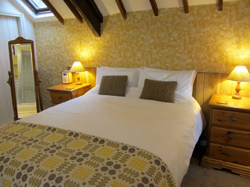 Gay Friendly Guest Houses, Devils Bridge Falls